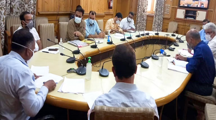 Div Com calls for immediate access cutting of encroached patches in wetlands