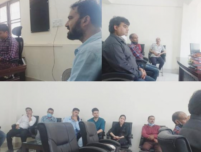 DEO Doda accords farewell to Naib-Tehsildar