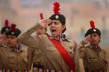جموں و کشمیر حکومت نے یوم آزادی پر انڈور اور آؤٹ ڈور اجتماعات کے لیے کوویڈ کی ضرورت کی حد میں نرمی کی ہے۔